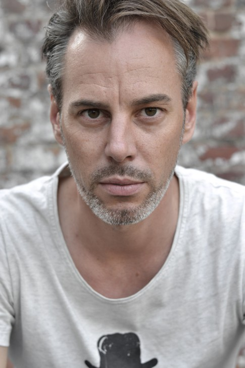 portretfotografie man door I van Beekum